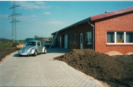 Käfer vor Neubau am Uhlenbrock