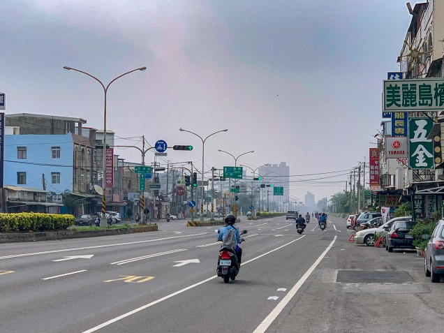 Cycling through the flat, but heavily populated and, in parts, industrial areas of the Chiayi–Tainan Plain