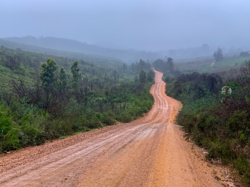 Tough going on wet and slippery sand on the approach to Prince Alfred's Pass.