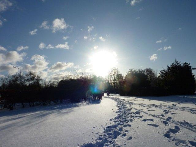 Sol, snö och snögubbar