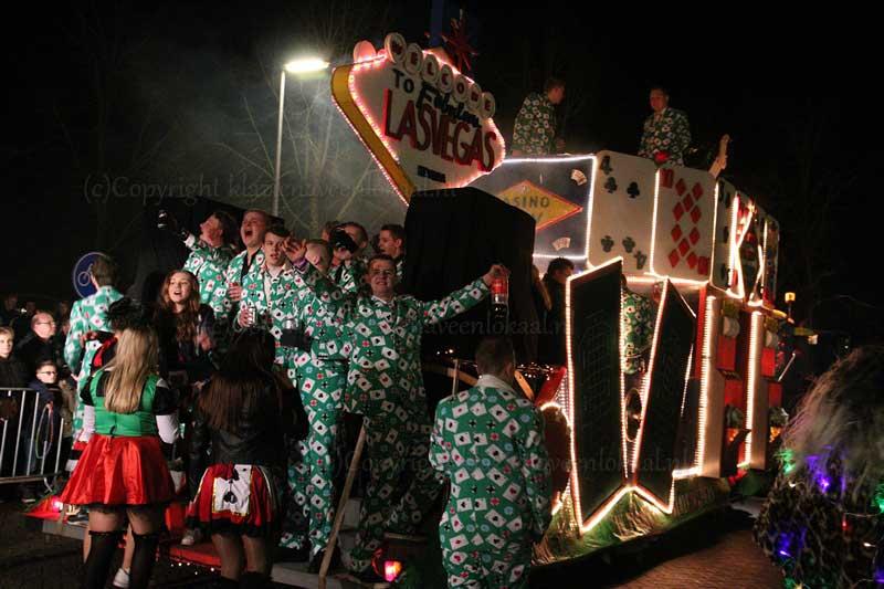https://i1.wp.com/klazienaveenlokaal.nl/wp-content/uploads/2017/02/verlichte-carnaval-parade_web-2.jpg?fit=800%2C533&ssl=1