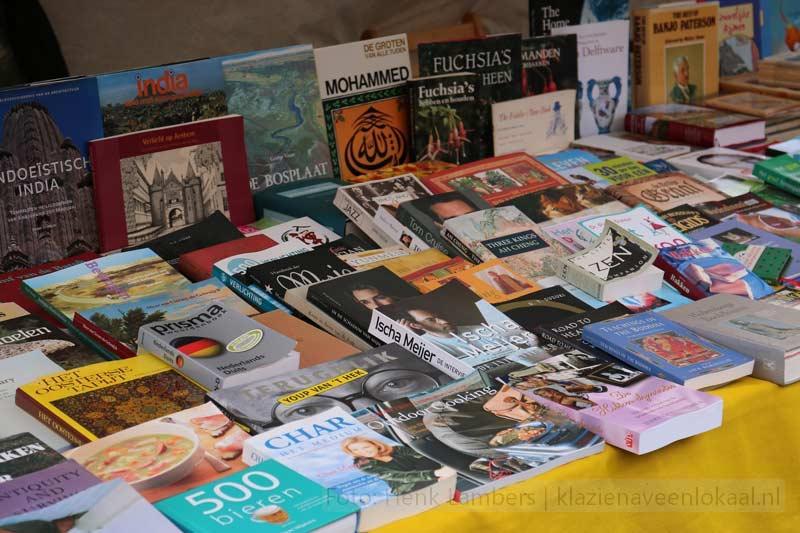boekenmarkt, centrum Klazienaveen