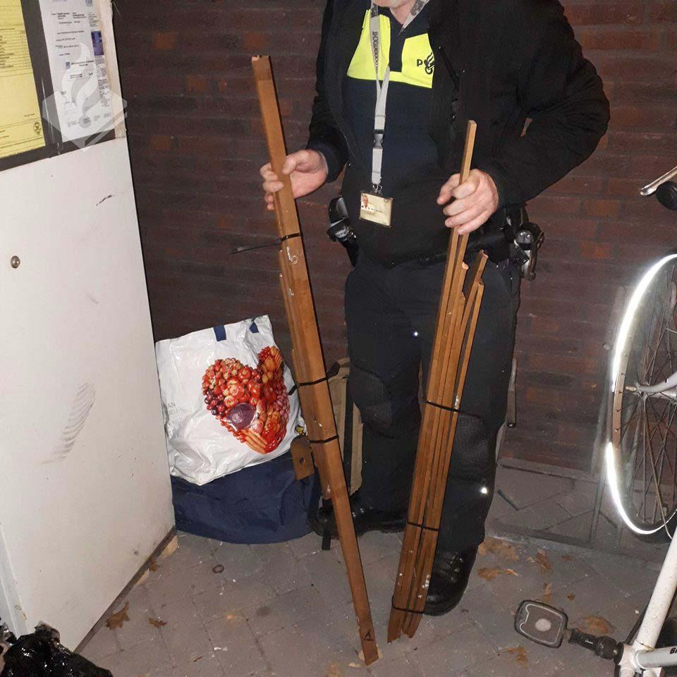 Politie-koperen-staven