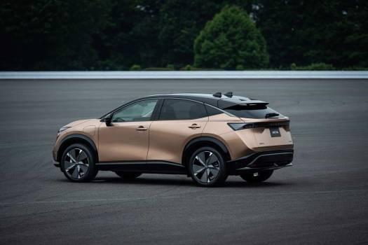 Nissan-Ariya-achter-zij
