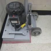 tomcat-stick-orbital-floor-scrubber-02