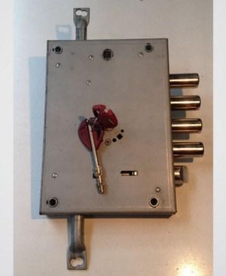 Κλειδαριά πόρτας ασφαλείας Νέου τύπου (Omega Plus) multlock-05
