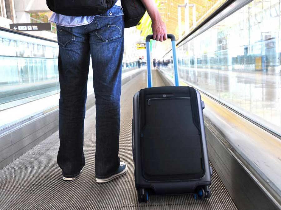 6+1 Τρόποι για να προστατέψεις τη βαλίτσα σου ενώ εσύ... πετάς!