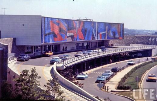 idlewild_jfk_airport-1961_american-airlines-terminal
