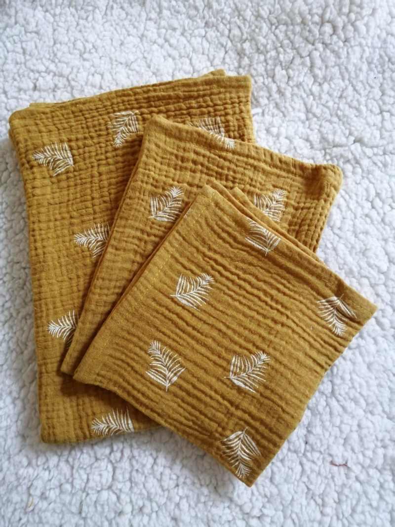 hydrofiel, hydrofielsetje, oker geel, spuugdoek, washandje, luier, kraamcadeau, handgemaakt