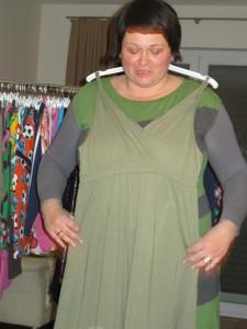 Ein Kleide aus der Damenkollektion