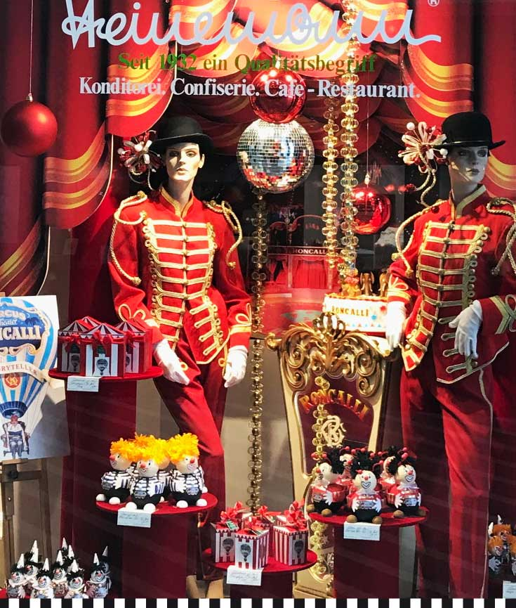cafe-konditorei-heinemann-zirkus-roncalli4