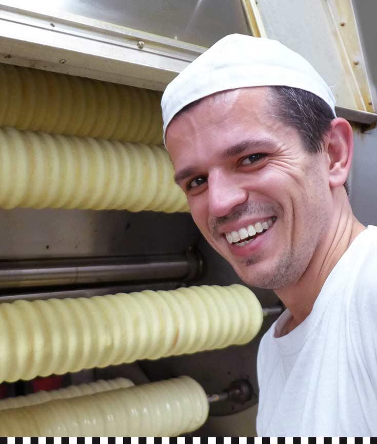 Baumkuchen-Herstellung bei der Konditotrei Heinemann