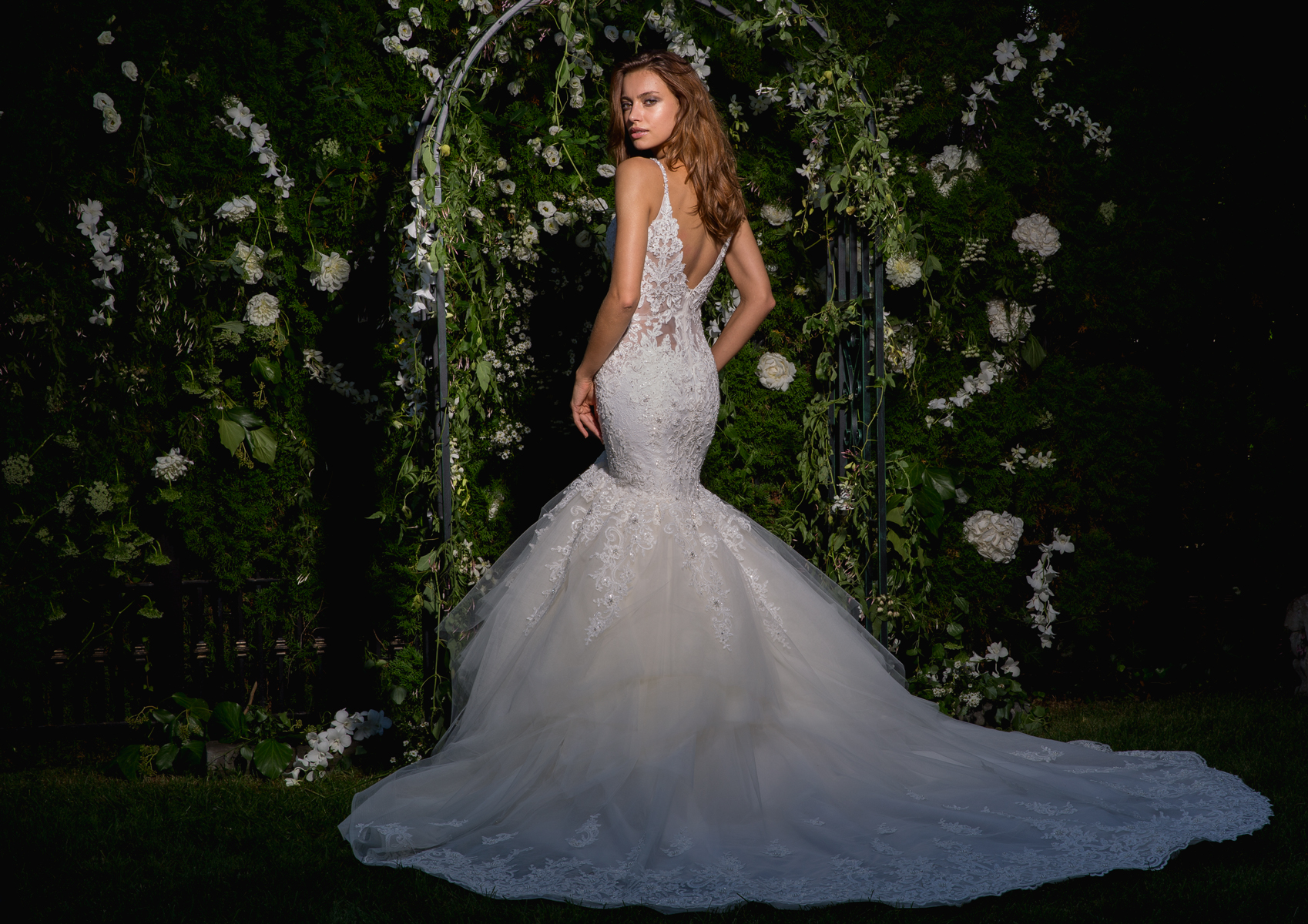 Spaghetti Strap V-neck Lace And Tulle Fit And Flare