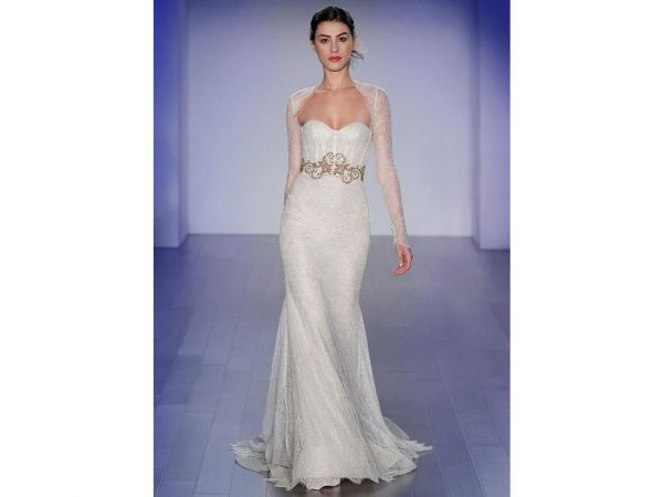 Sweetheart Neckline Fitted Bodice Lace Fir And Flare