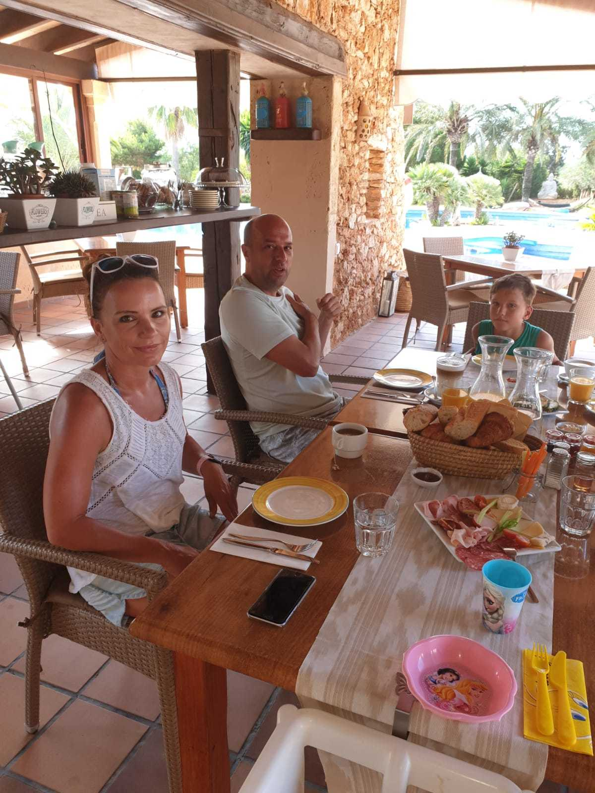Familien Urlaub Finca Sa Tanca Fruehstueck
