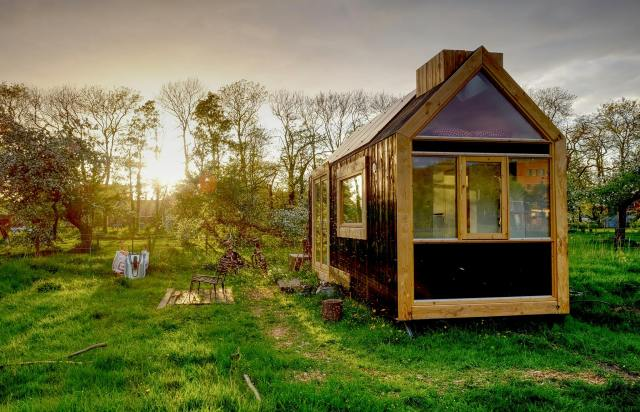 TIny House in de zon