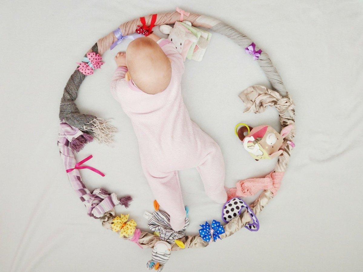 Sensorik-Hula-Hoop für das Baby - Beschäftigung, Lernen und Spielen in einem