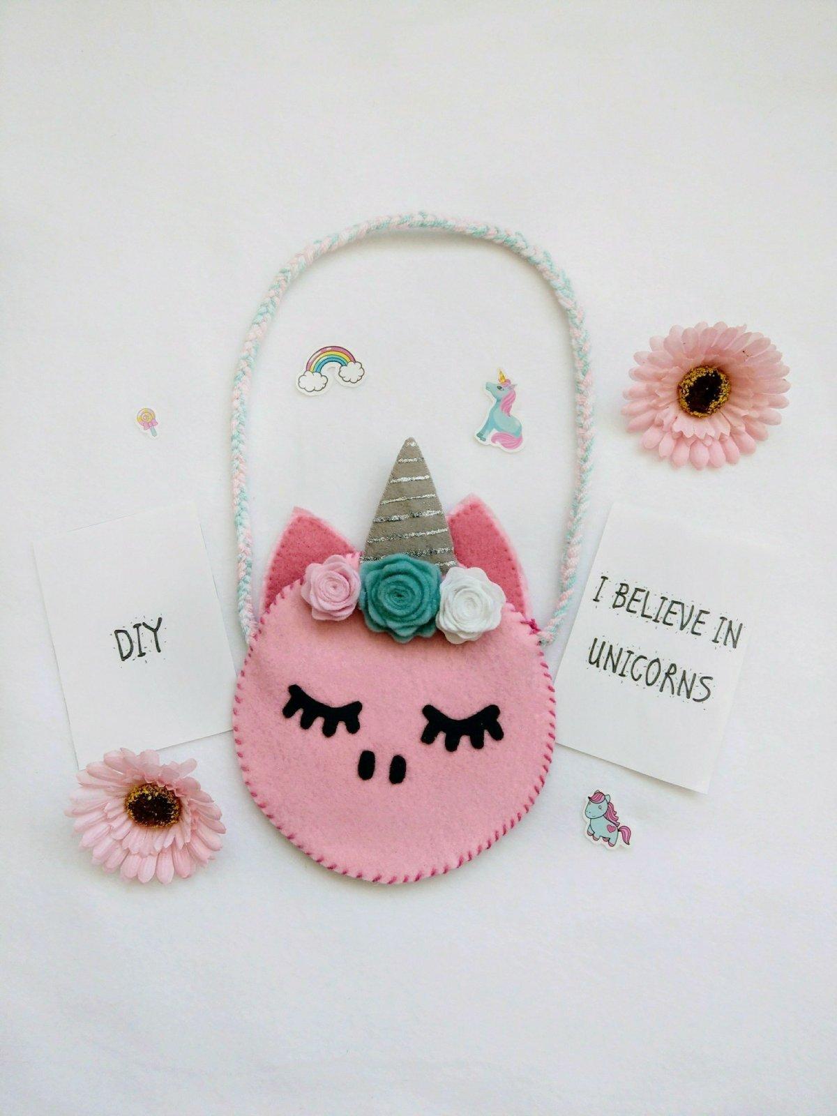Heute habe ich ein Schnittmuster für eine Einhorn Schultertasche für euch. Tolle DIY Idee für Kinder. Mit Schritt-für-Schritt Anleitung.