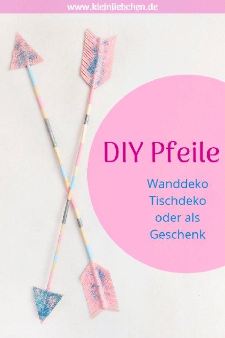 Hier zeige ich euch wie ihr DIY Pfeile als Deko für das Kinderzimmer basteln könnt. Einfach zum Selbermachen. Die DIY Pfeile könnt ihr an der Wand befestigen oder ins Regal stellen. Auch eine schöne Geschenkidee zum Valentinstag