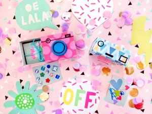 Originelle Geschenkverpackung basteln – DIY Kamera aus Streichholzschachteln