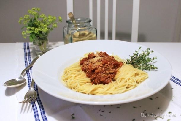 "Veggie-Bolognese und Parme-Sesam aus ""Das vegane Familienkochbuch"""