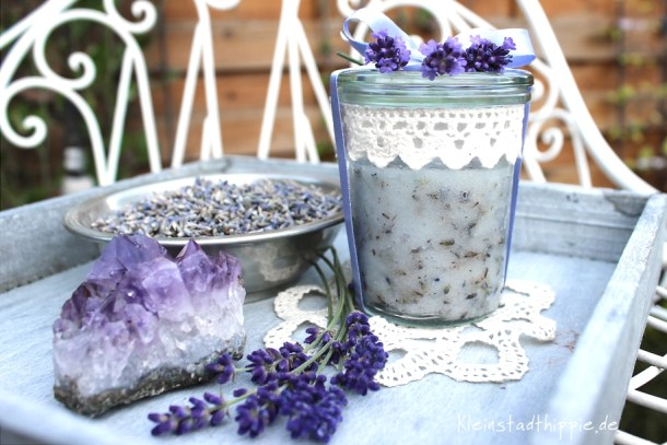 Lavendel-Kokos-Körperpeeling