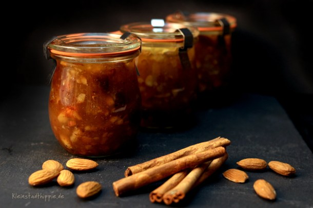 Weihnachtliche Apfel-Mandel-Marmelade