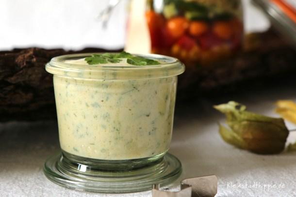 veganes Joghurt-Kräuterdressing
