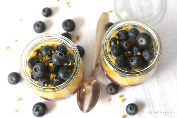 Blaubeernchiapudding mit Ananas