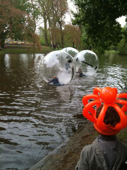 Amsterdam mit Kindern - vondelpark-wasserbaelle-2