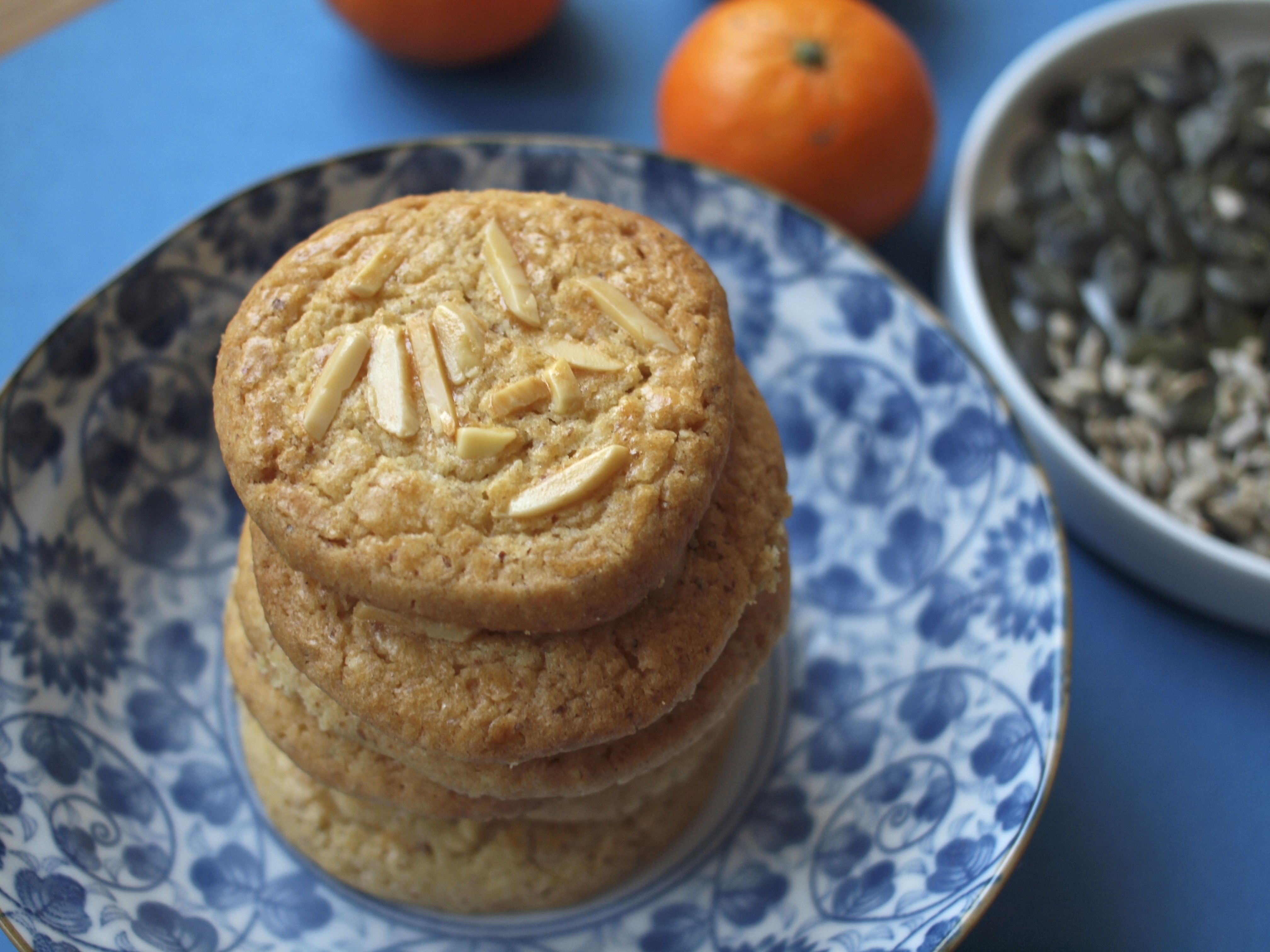 Food Friday Almond Cookies – For Chinese New year on kleinstyle.com