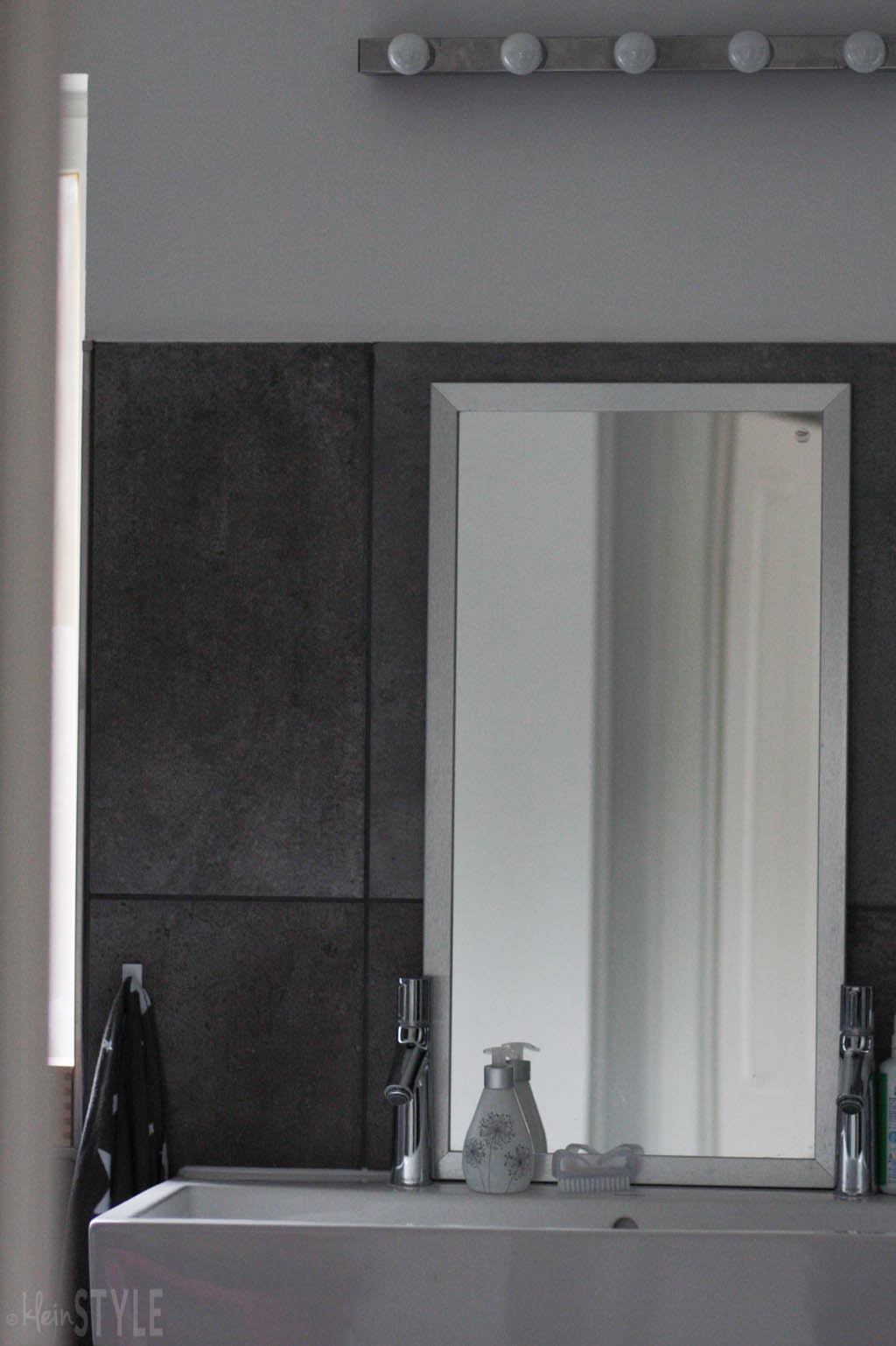 gray-concrete-style-bathroom-make-over-by-kleinstyle-com-4