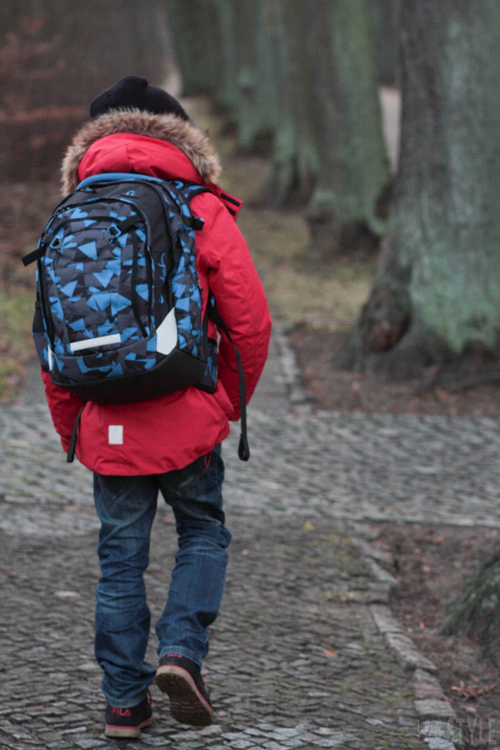 (Deutsch) Das Kind wächst : der Schulrucksack auch!