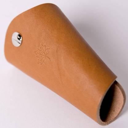 Кожаная ключница ручной работы с поворотными карабинами