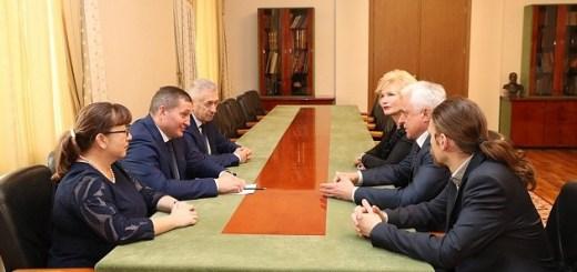 Андрей Бочаров провел рабочую встречу с Александром Точеновым