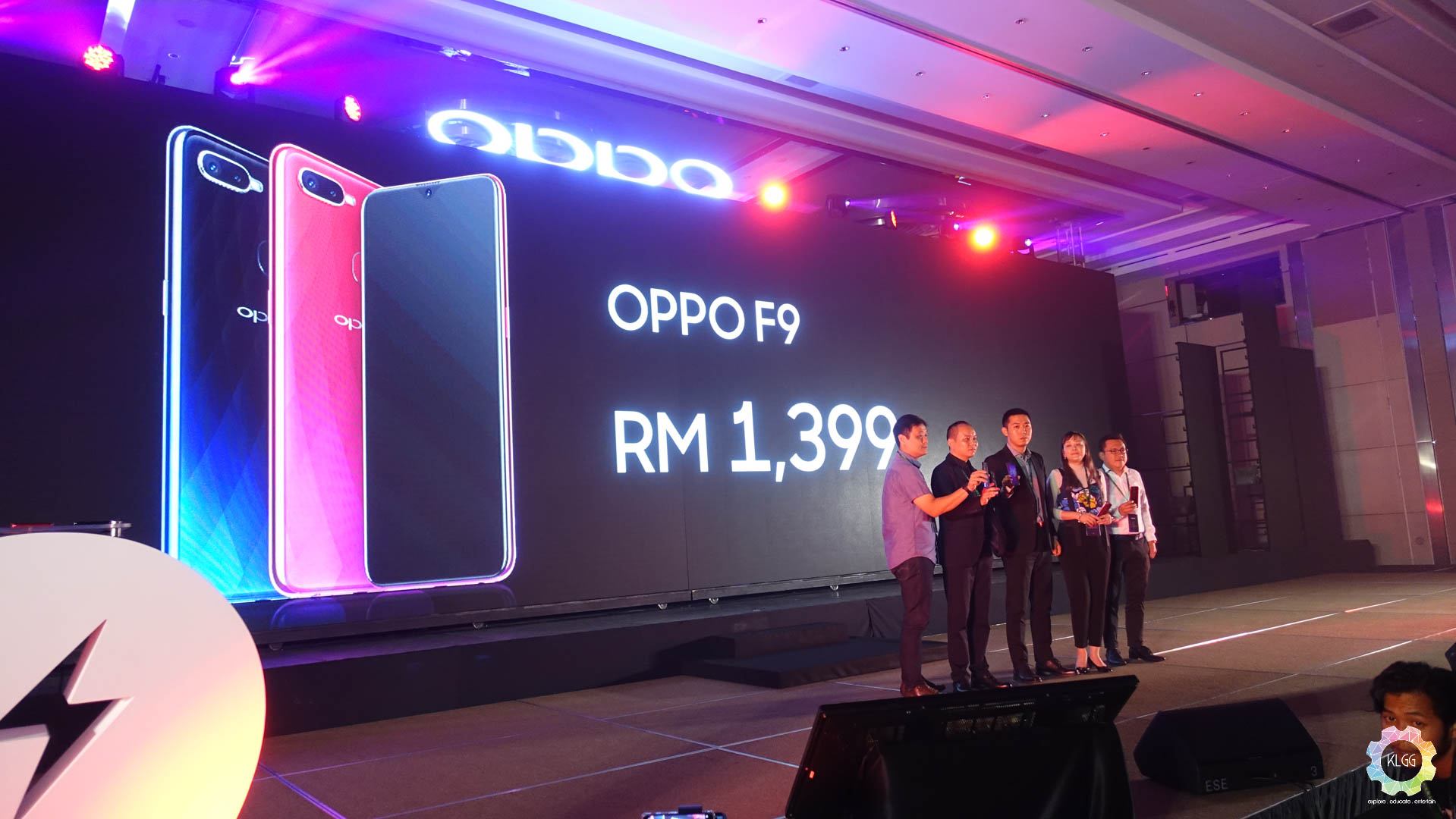 The Oppo F9 will be open for pre orders starting 16 August 2018 to 29 August 2018 on Oppo s ficial Concept Stores and authorised dealers or from their