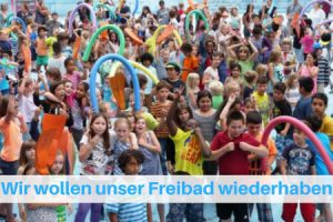 Bild protestierende Kinder im leeren Freibadbecken vom Fössebad