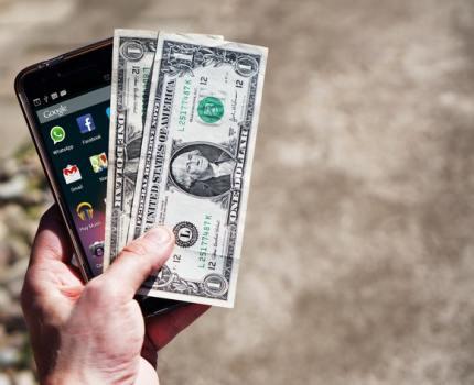Przekazy pieniężne: jakie mają zalety?