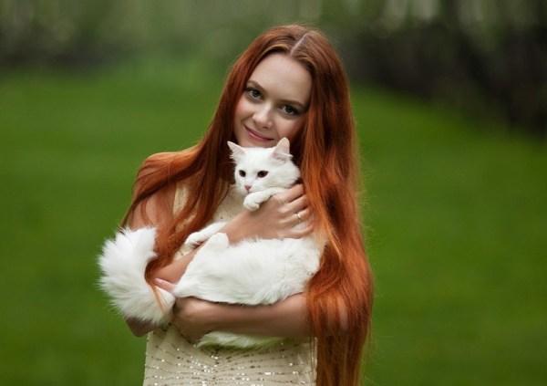 Красивые девушки и милые котики (12 фото) • Прикольные ...
