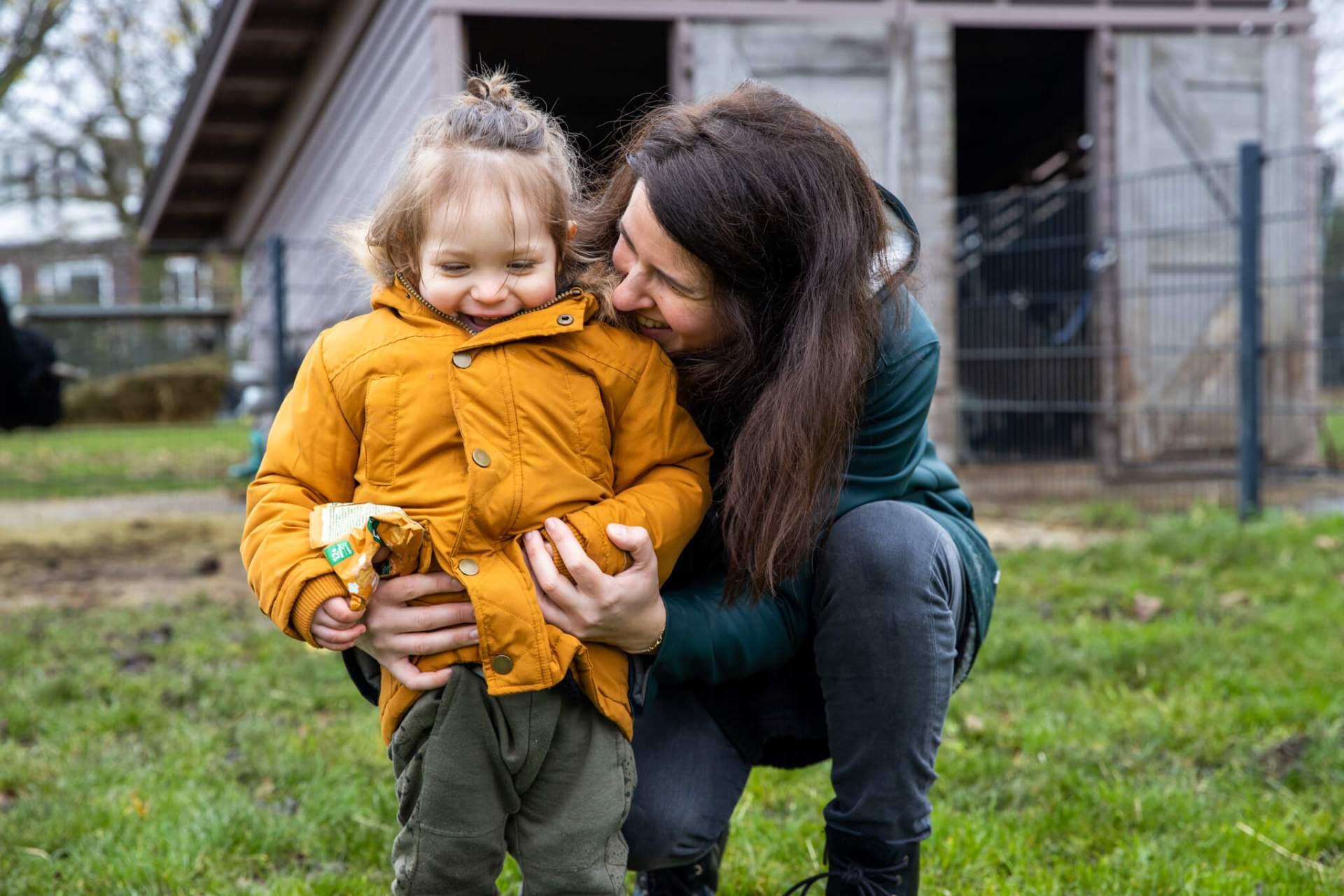 Eva en zoontje tijdens de familieshoot