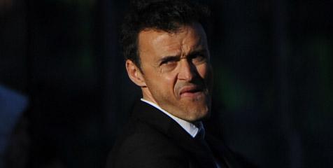 Enrique Jelaskan Alasan Tak Mainkan De Rossi