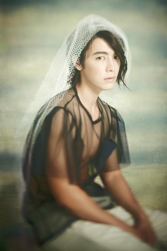 donghae ©koreaboo.com
