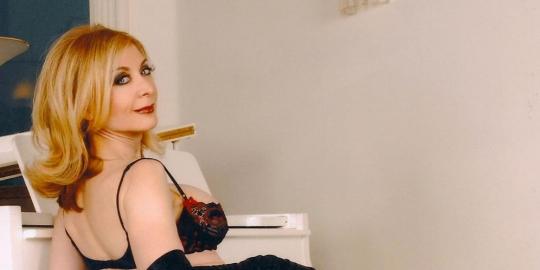 3. Nina Hartley