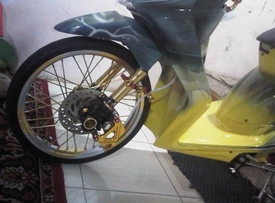 7 Bagian Inspiratif Modifikasi Honda BeAT Full Airbrush