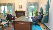 Lord Nazir Ahmed meets Prime Minister Imran Khan