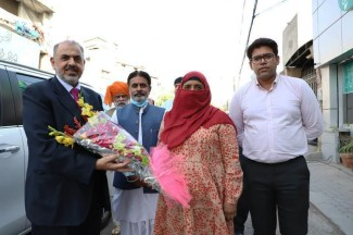 Lord Nazir Ahmed visited Almustafa eye hospital