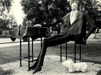 Dandy 200x195x400 cm 1978 Iron& marble