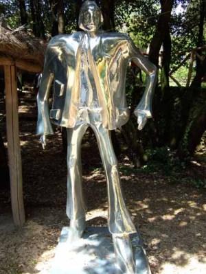Schreitender 195x120x80 cm 2004 polyester