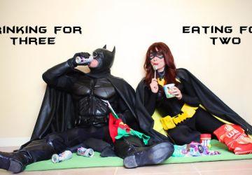 Milovníci Batmana sa rozhodli oznámiť príchod potomka naozaj kreatívne! Tieto fotky ťa dostanú
