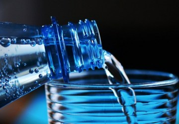 3 základné fakty o PET fľašiach. Zistite, kde je pravda